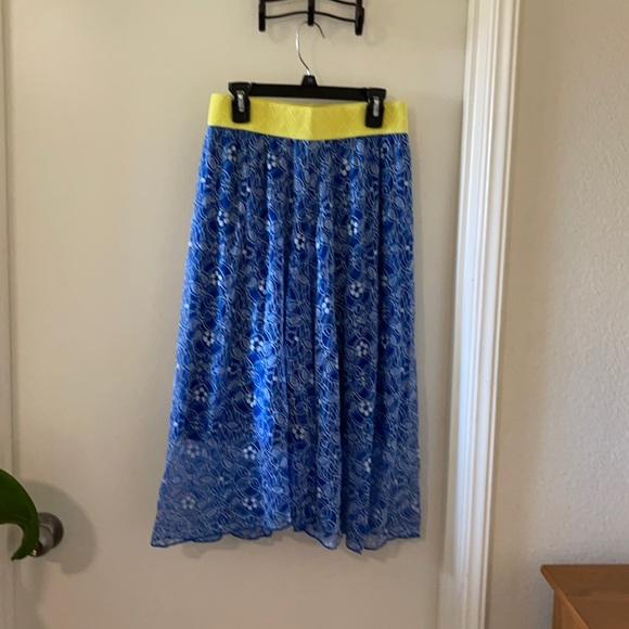 NWOT Lularoe Lola lace skirt size XS